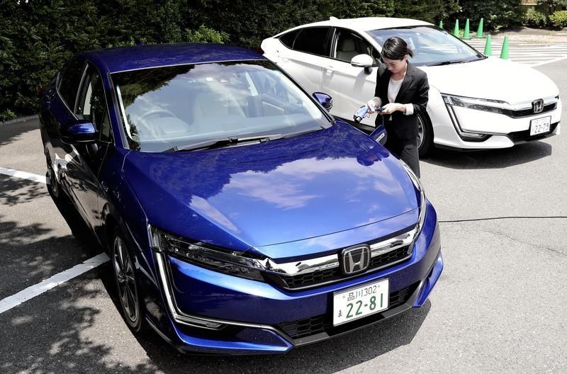 Sales Of Fuel Cell Vehicles In Japan Lag Behind Electric Hybrids