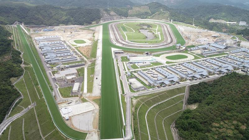 HKJC opens mainland's 1st world-class racecourse in