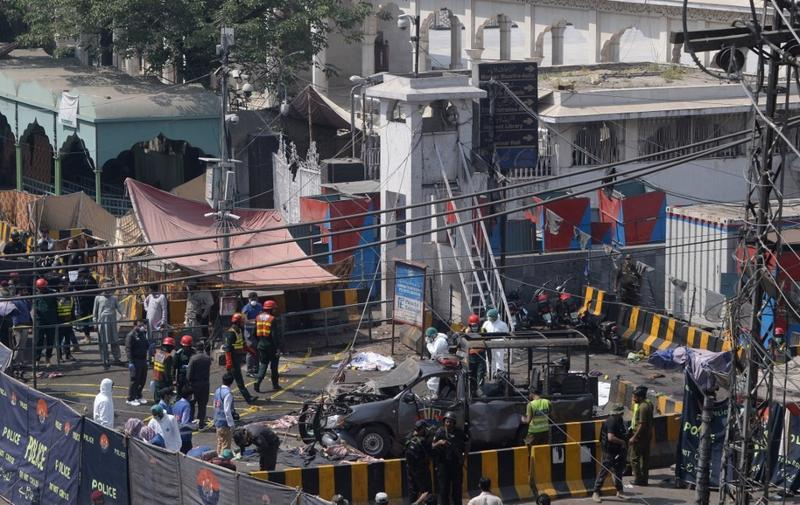 Suicide bombing outside Pakistan shrine kills 10   Asia News