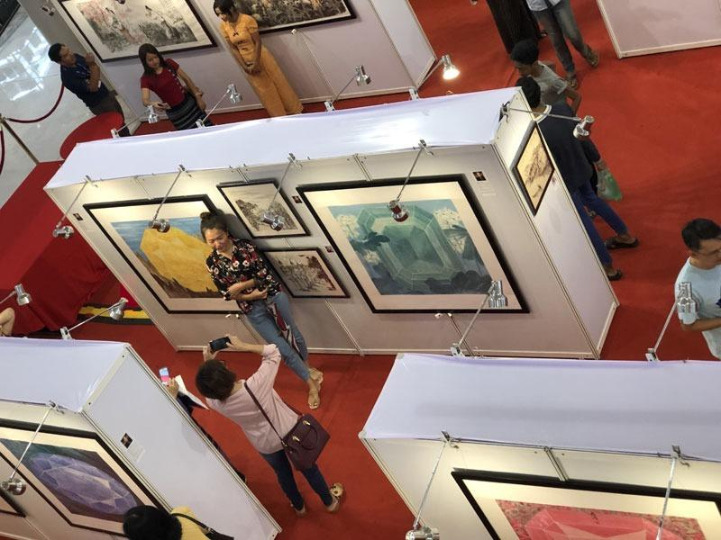 Exhibition of Chinese artists draw crowds in Yangon | Photo | China
