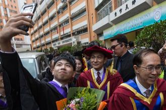 Hong Kong actor Andy Lau was awarded an honorary degree of Doctor of Letters by the Hong Kong Shue Yan University on Thursday.