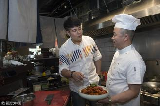Chinese cuisines, especially crayfish, became the hottest item during the just-concluded World Cup in Russia.