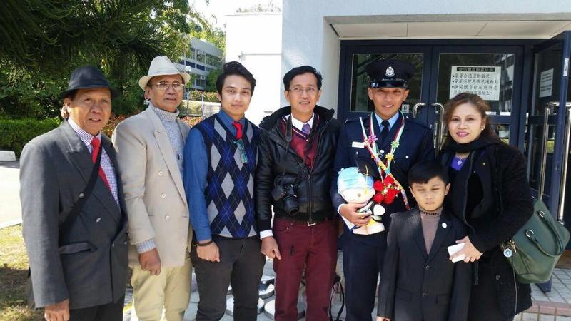 3c4331e50154 Dean Jason Escuro (second right) worked his way to becoming one of a few  police officers of ethnic background. (PHOTO PROVIDED TO CHINA DAILY)
