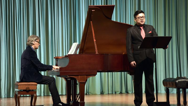 Italian pianist tunes to lower frequency at Beijing concert | Life