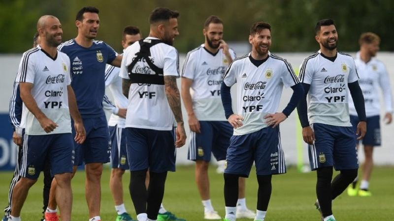 Height effect: Argentina sizes up Iceland at World Cup