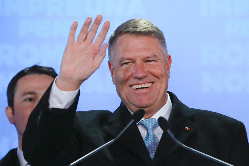 Romania's Klaus Iohannis wins 2nd term in runoff | World | China Daily