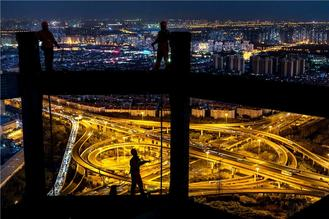 An enterprise manager at a construction firm documents the ever-changing city of Shanghai via photography.
