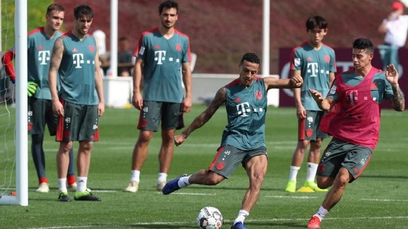 Bayern looking to catch Dortmund as Bundesliga resumes