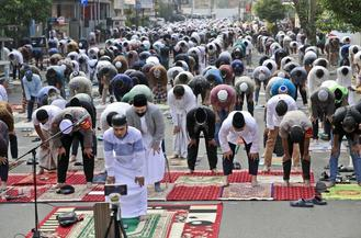 Muslims across the world performed prayers Thursday to celebrate the festival of Eid al-Fitr in mosques, marking the end of the fasting month of Ramadan.