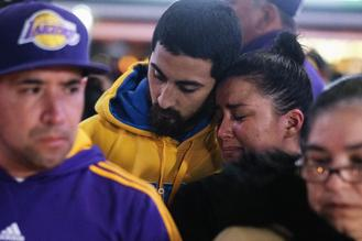 People paid tribute to NBA's all-time greatest players Kobe Bryant after he tragically died in a helicopter crash along with his daughter Gianna Bryant and seven others in Calabasas, California.