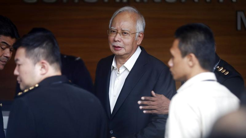 Malaysian ex-PM sues 3 top officials involved in 1MDB probe