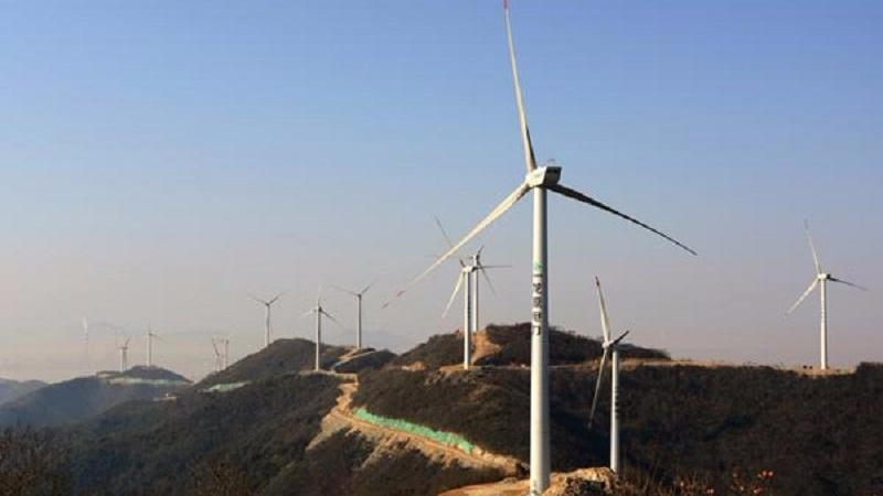 China's homegrown wind turbine rolls off production line