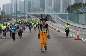 The annual Hong Kong Marathon saw the participation of enthusiastic runners, many dressed in fun costumes, from across the city.