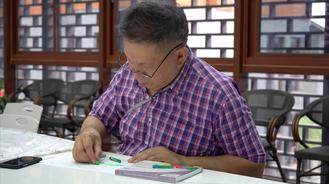 A group of Philippine artists drew inspiration from Chinese traditional porcelain art during a culture exchange trip to Liling in Hunan province.