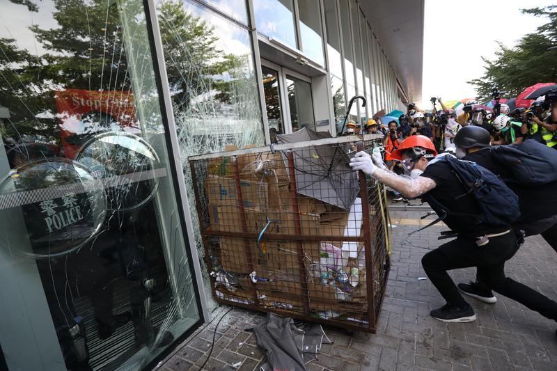 Police brace for Sunday protests as explosives seized   Hong Kong