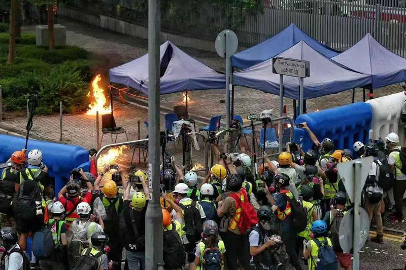 Police warn of fake journalists at protest sites   Hong Kong